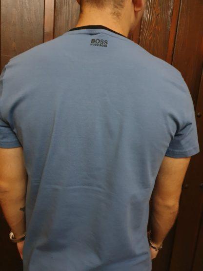Camiseta Boss, espalda